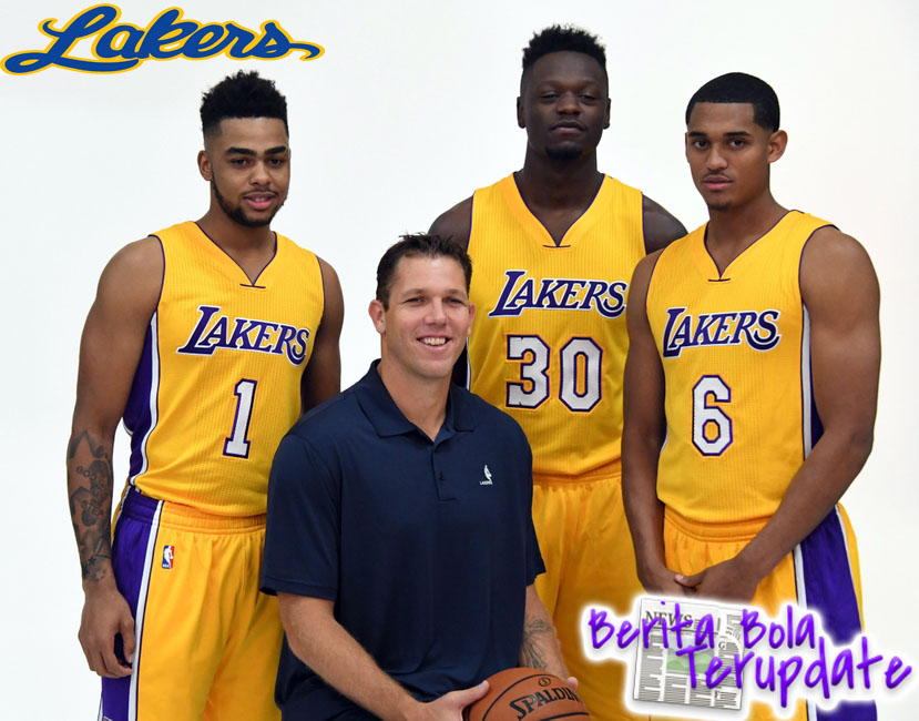 Harianbola77 - Prakiraan Lakers Vs Charlotte Hari Rabu 01 Maret 2017 - Pada pertandingan bola basket NBA kali ini antara Lakers melawan Charlotte di Stadion Staples Center pada pukul 10 : 30 WIB.